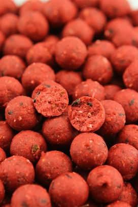"NORTHERN BAITS BOILIES "" BNB STRAWBERRY "" 1 KG"